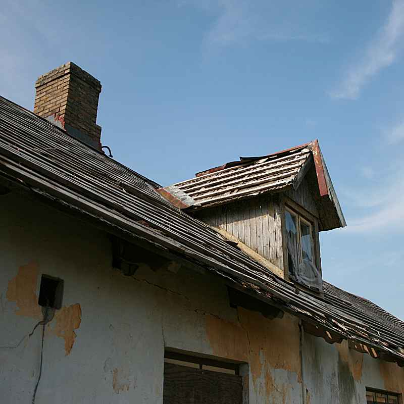 Dilapidated roof