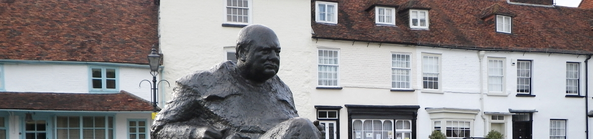 Winston Churchill surveys the green at Westerham in Kent