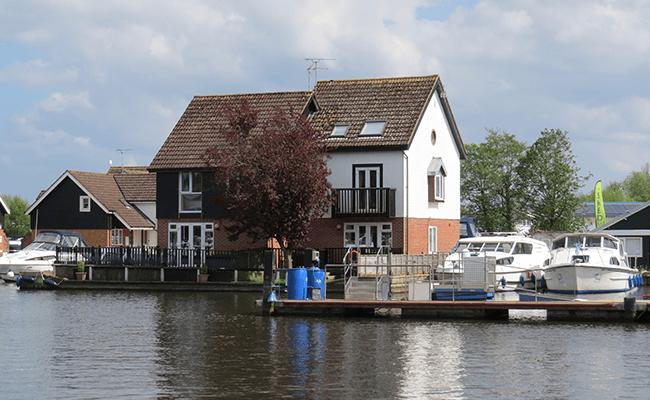 wroxham-riverside-homes