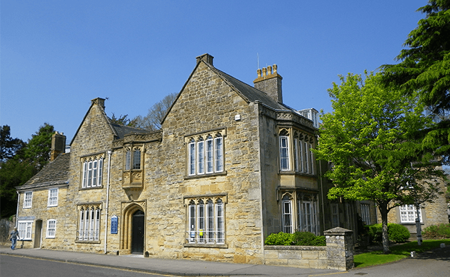 the-manor-house-building-sherborne