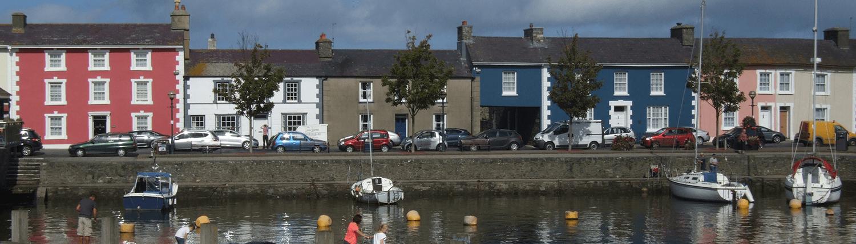 aberaeron-harbourside-terraced-property