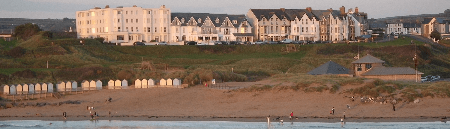 bude-terraced-property-overlooking-summerleaze-beach