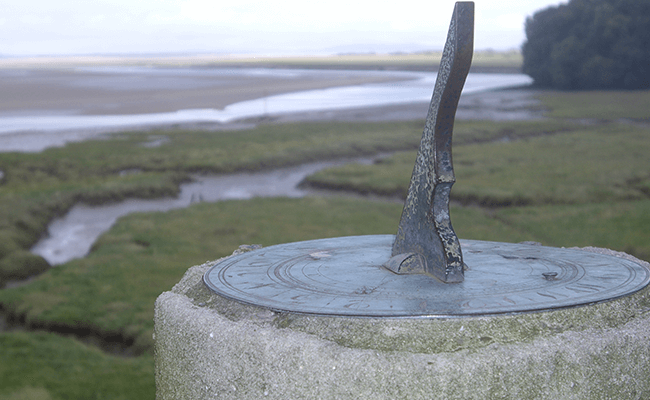 laugharne-sun-dial-monument