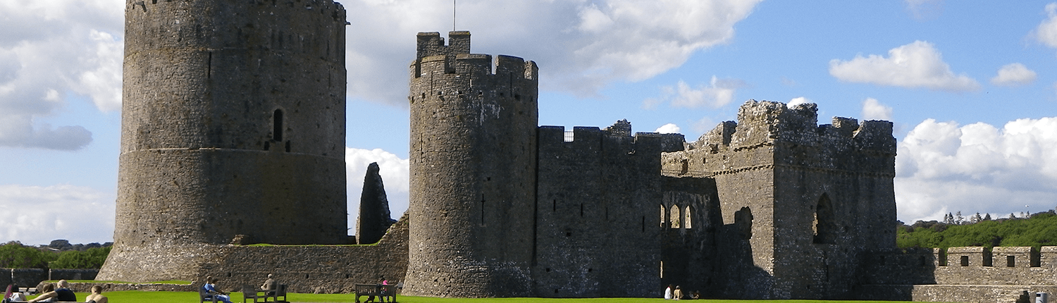 pembroke-castle-building