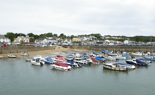 saundersfoot-residential-property-overlooking-the-harbour