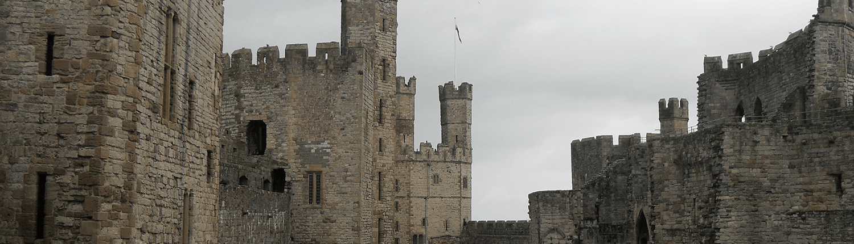 caernarfon-castle-building
