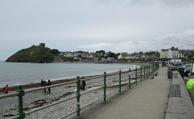 criccieth-beach-view