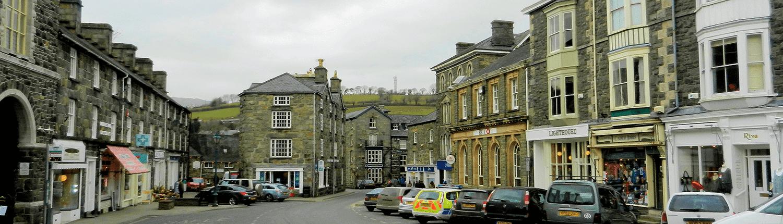 dolgellau-street-buildings
