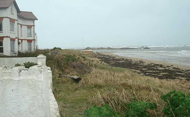 rhosneigr-property-overlooking-beach